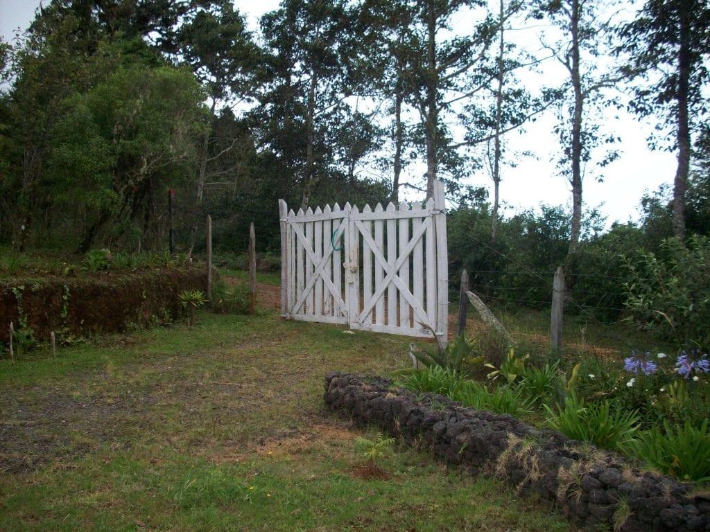 Finca jardines dota bienes ra ces costa rica for Inmobiliaria jardines