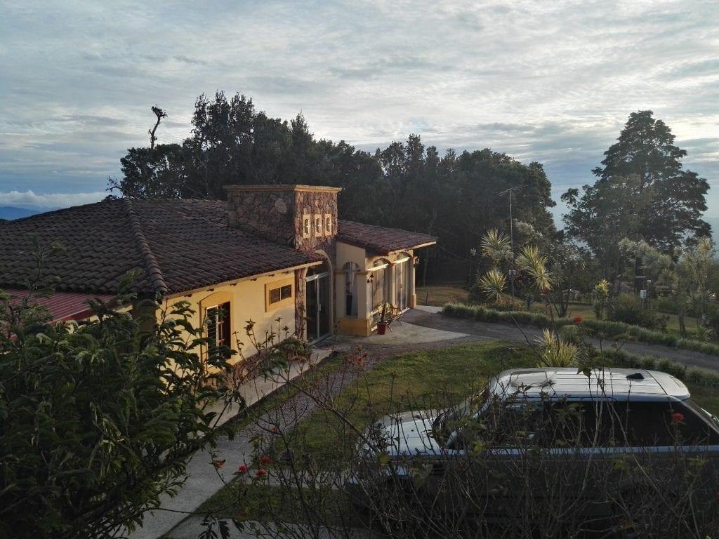 Casa de Montaña , junto al bosque