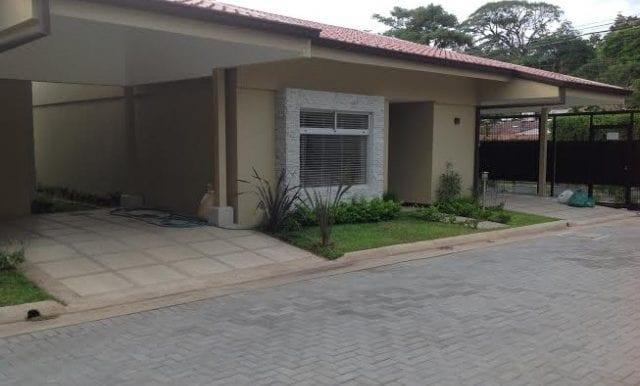amplia-y-confortable-casa-con-linea-blanca-en-santa-ana-ea-548f45be9b6c68f10bed527bce14246e-b