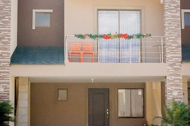 Exclusiva casa ubicada en Condominio de Ciudad Colon, Santa Ana. (R.R)