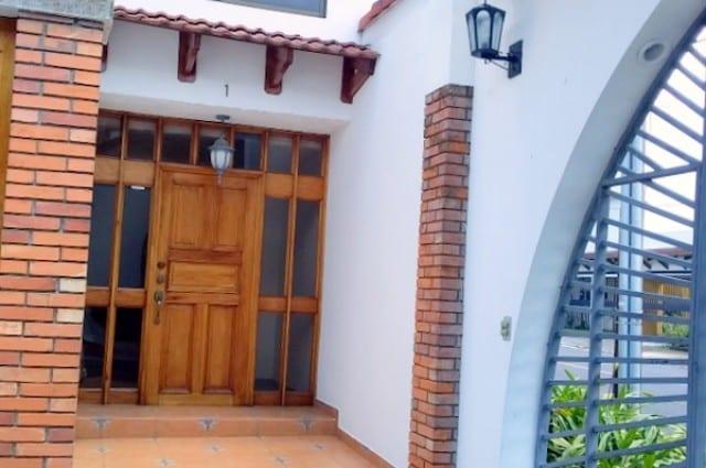 Amplia y confortable Casa ubicada en Condominio pequeño en Trejos Monte Alegre (L.S).