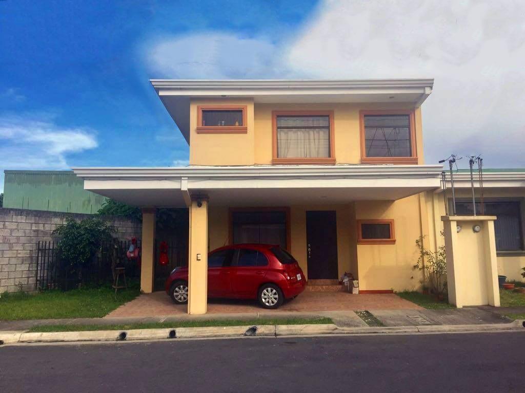 Hermosa y Segura Casa en Condominio el Carmel