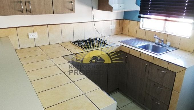 006-cocina-457-nuevos_horizontespropiedades-san_pablo-heredia-sevende-apartamento