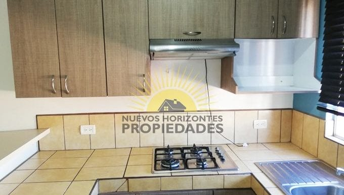 007-cocina-457-nuevos_horizontespropiedades-san_pablo-heredia-sevende-apartamento