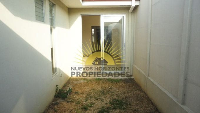 018-patio-453-nuevos_horizontespropiedades-san_pablo-heredia-sevende-casa_jpg