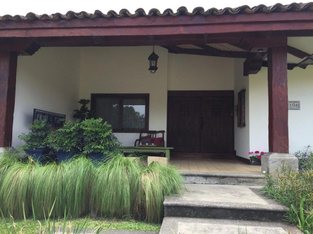 Vendo Amplia casa en Bosques de Lindora