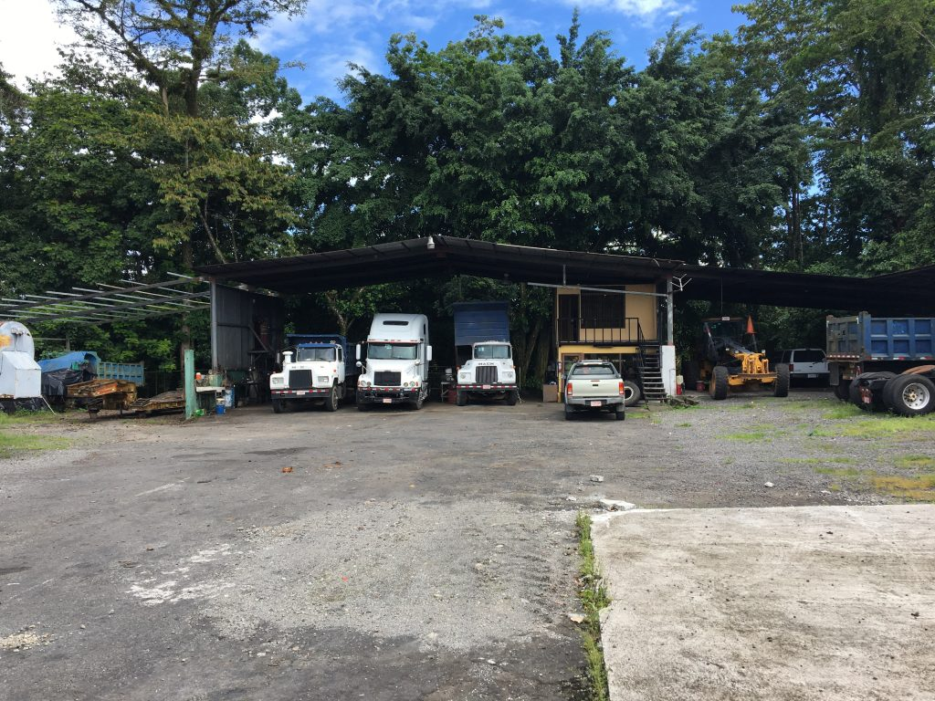 Se vende terreno de 2123 metros en Guápiles cerca de la ruta 32.