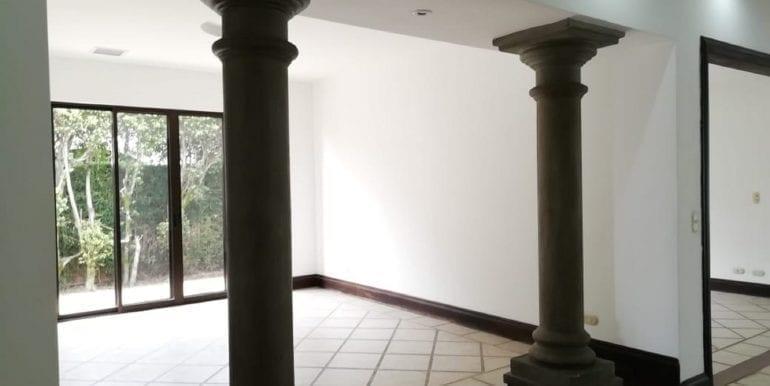 Venta Casa Lindora2