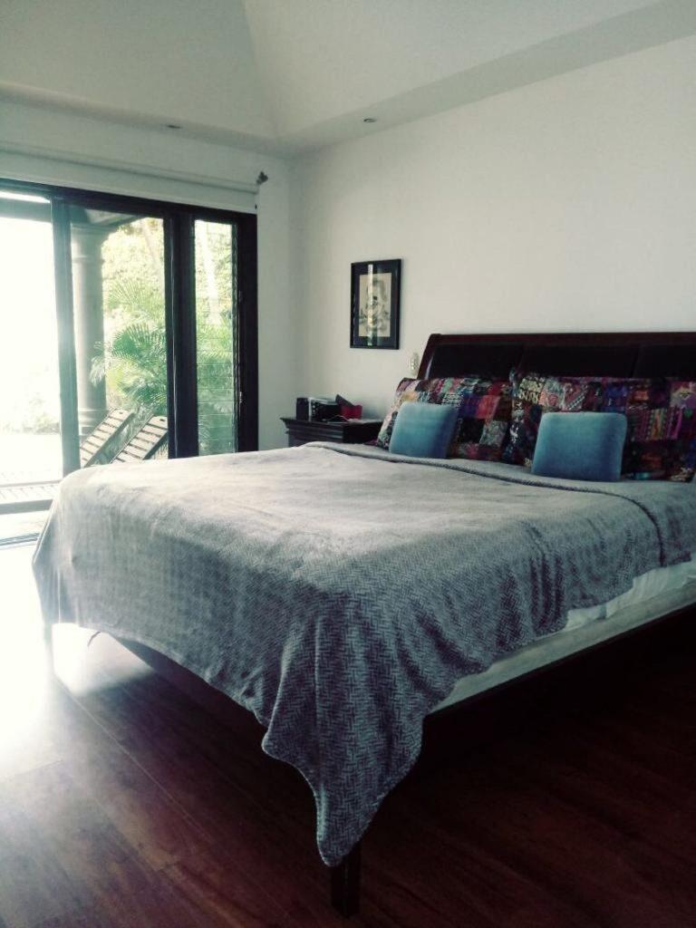 Vendo Casa de 450m² en Bosques de Lindora